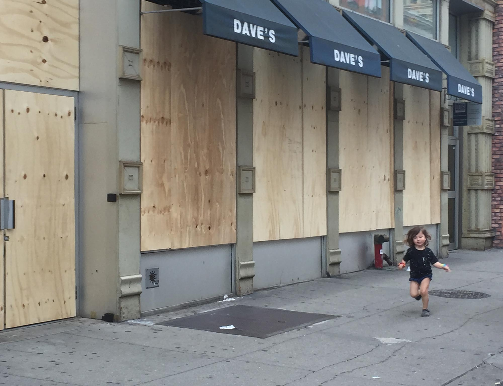 JP-5 Daves, Sixth Ave